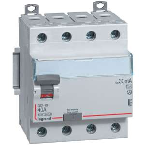 Interrupteur tétrapolaire DX³ ID - Type AC - 4 modules - Connexio vis / vis - Arrivée haut / départ bas - Legrand